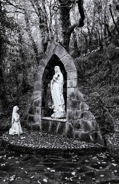Doon Rock and Holy Well Gallery Image
